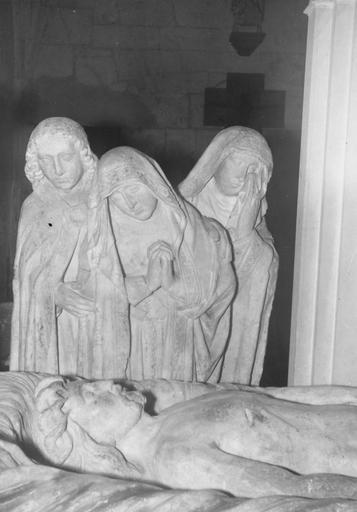 Groupe sculpté : la Mise au tombeau, Saintes Femmes éplorées