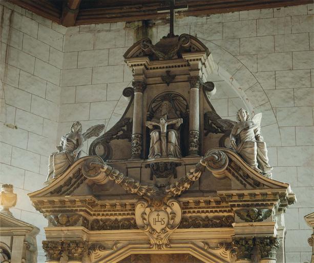 Statue : Trinité (La), au sommet du retable du maître-autel