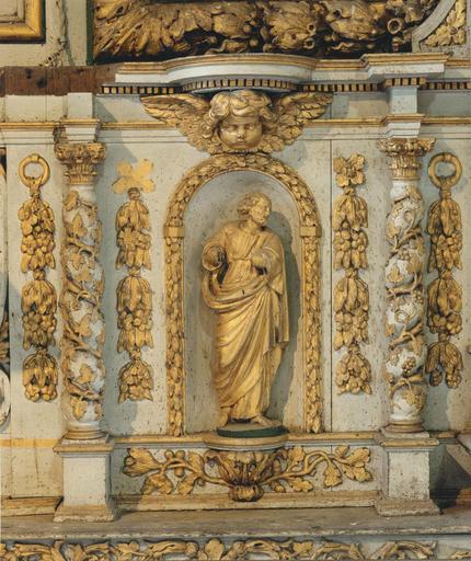 Détail d'une statuette du tabernacle du maître-autel