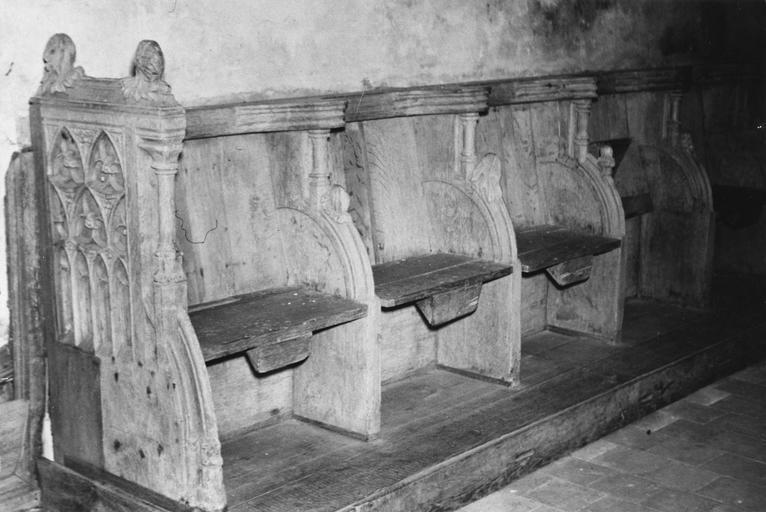 Stalles, bois sculpté