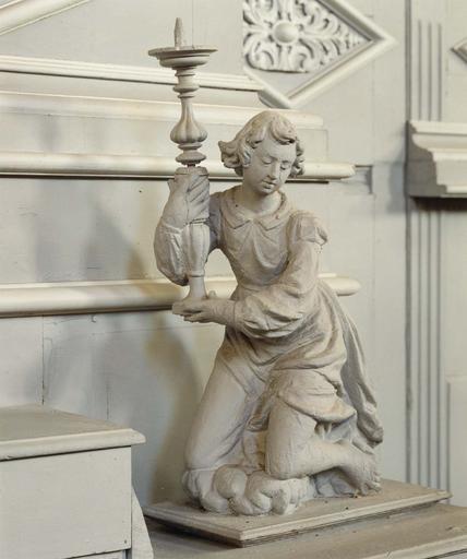 Statue (statuette) : Ange porte-lumière