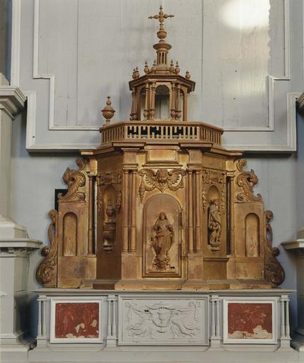 Tabernacle, bois sculpté et doré