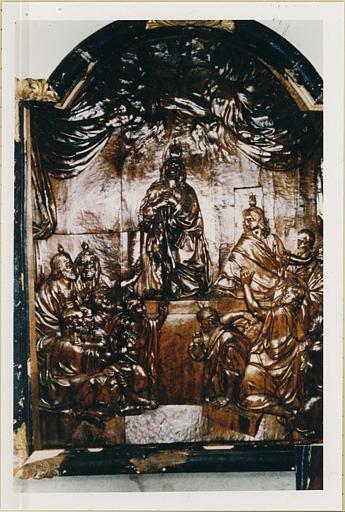 Bas-relief : la Pentecôte