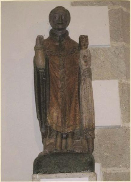 Statue : Saint abbé dit saint Eugène (Tugen ?), vue générale