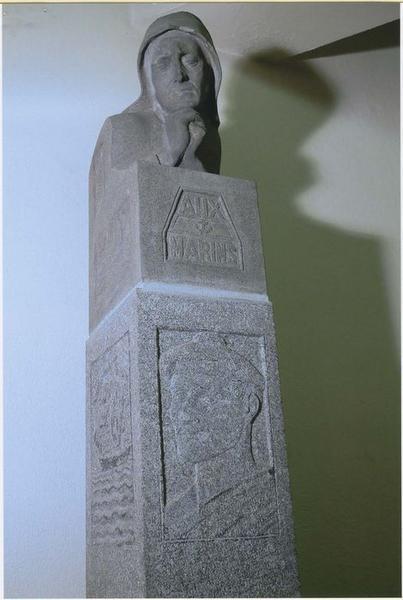 Maquette du monument aux marins morts pour la France érigé à la pointe Saint-Mathieu à Plougonvelin, vue générale