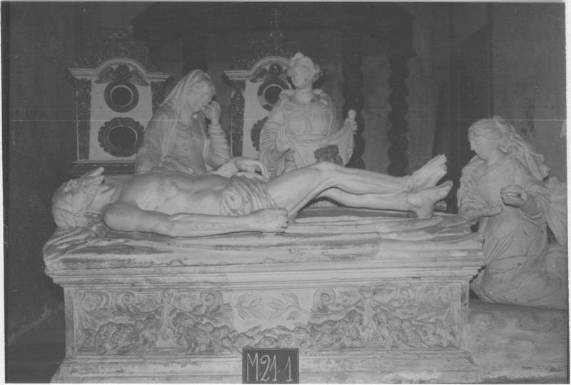 Groupe sculpté: Mise au tombeau, vue générale