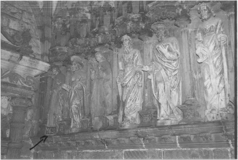 12 statues : Les Apôtres