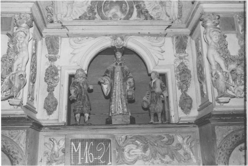 Groupe sculpté : Saint Yves, le riche et le pauvre