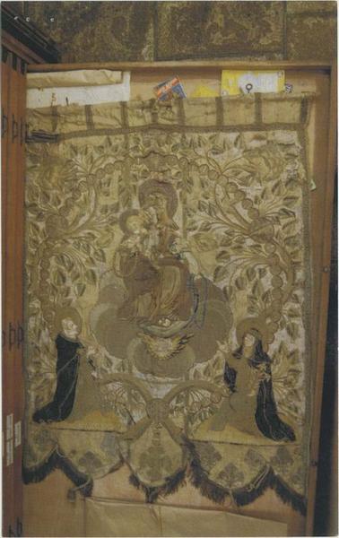 Bannière de procession : Rosaire et Crucifixion