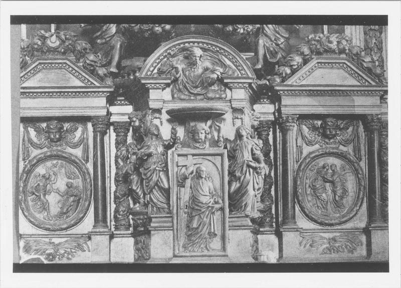 Retable du maître-autel, statues