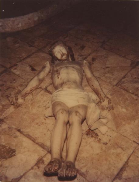 statue : Christ mort, vue générale