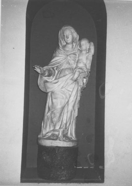 statue : Notre-Dame des grâces, vue générale
