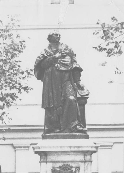 monument commémoratif : le cardinal Fesch, vue générale