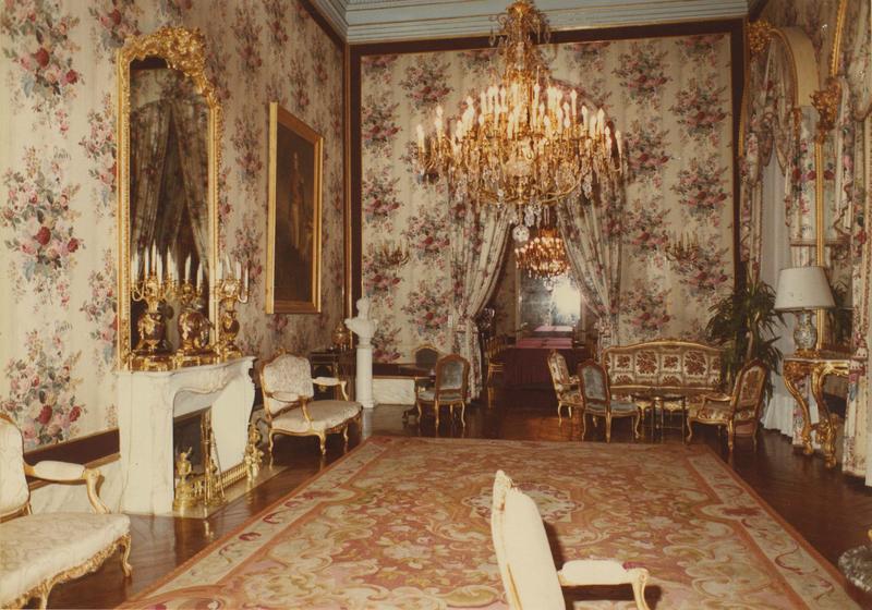 canapés, fauteuils, chaises, style Louis XV, vue générale