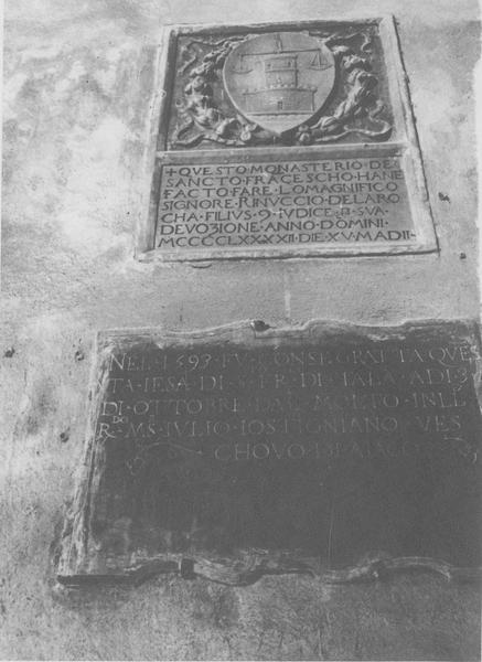 plaques commémoratives, vue générale