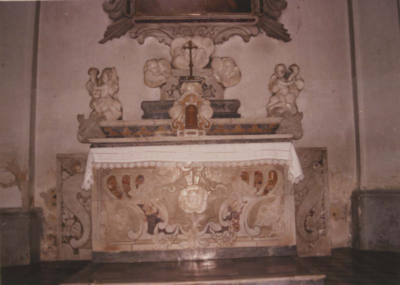 autel latéral