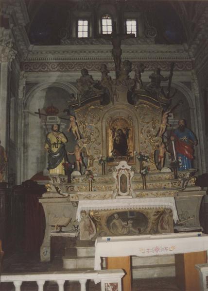 autel, tabernacle, retable, 2 statues : Saint Pierre et saint Paul (maître-autel)