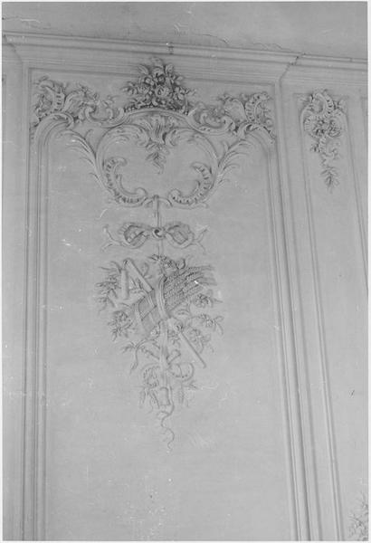 Grand salon, décor de stuc, détail