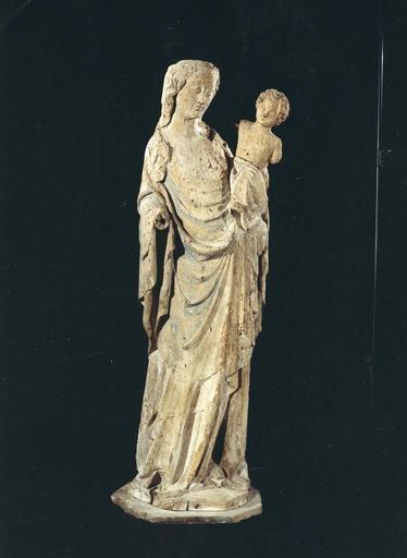 Groupe sculpté : Vierge à l'Enfant, bois, traces de polychromie, 14e siècle ?