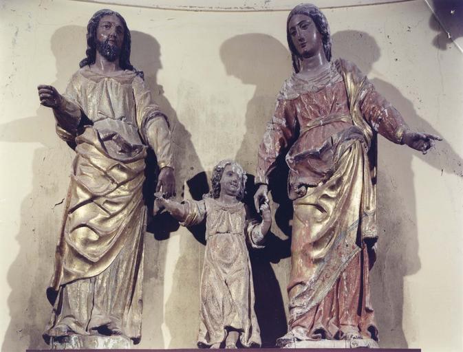 Groupe sculpté : Sainte Famille, bois peint et doré