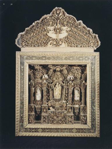 tableau-reliquaire à paperolles, 17e siècle