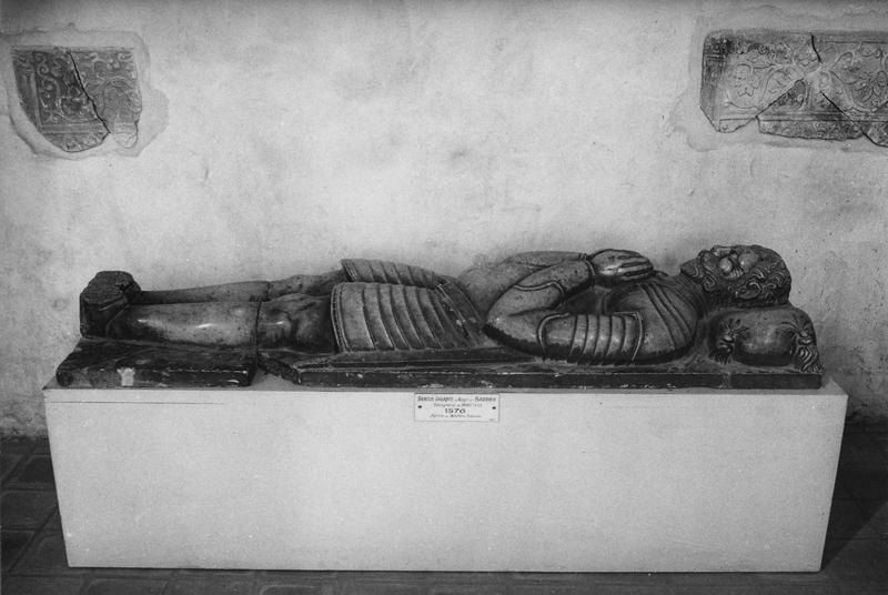 tombeau (gisant) : Roger de Sarrieu, seigneur de martres