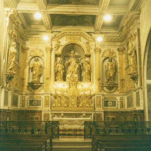 retable, sept statues, deux bas-relief, lambris de couvrement du maître-autel, vue d'ensemble