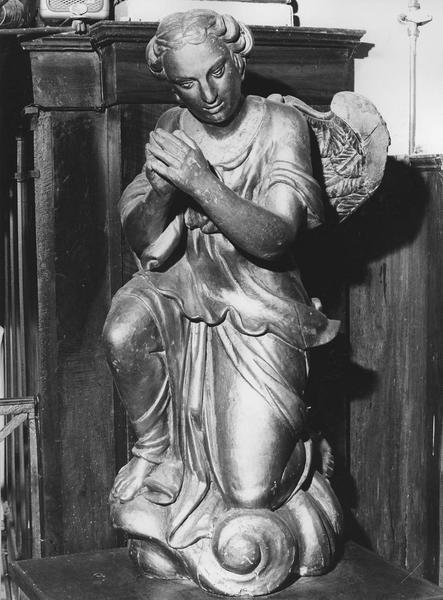 statue (en pendant) : ange