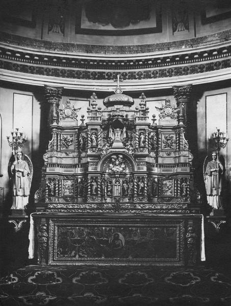 autel, retable, antependium (maître-autel)