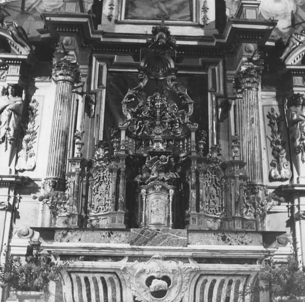 Retable, tableau, 2 statues du maître-autel : Passion, saint François d'Assise, sainte Claire (ensemble des retables de l'église)
