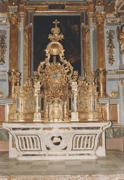 ensemble du : maître-autel, autels secondaires (retable, tableau)