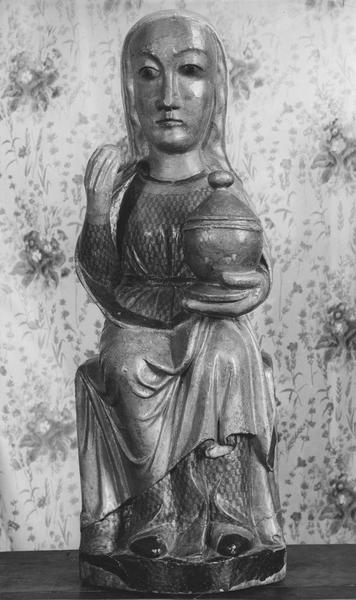 statue : la Vierge au ciboire