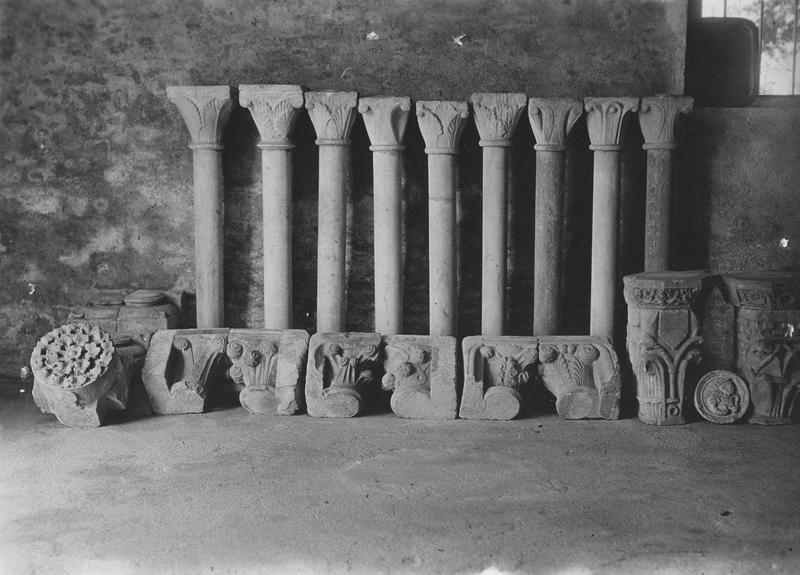 huit colonnes, détail