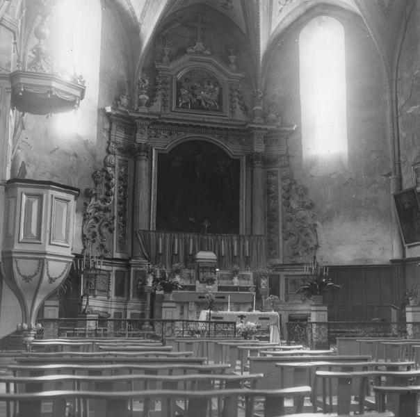 retable, chaire à prêcher, tableau du maître-autel : Crucifixion