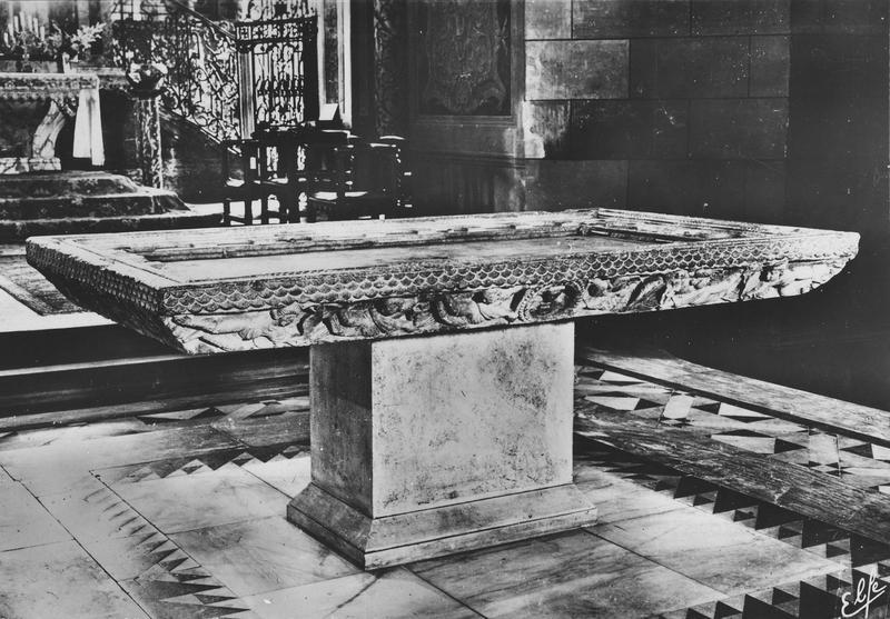 table d'autel, vue d'ensemble