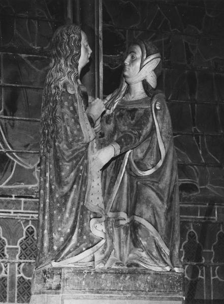 groupe sculpté : la Visitation, vue de droite