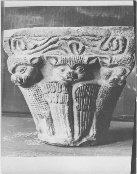 Chapiteau sculpté n°623, vue générale