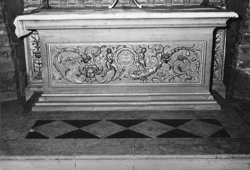 Autel de la chapelle Sainte-Catherine
