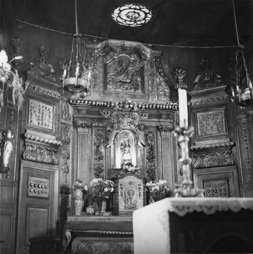 Autel, retable, tabernacle de la Vierge