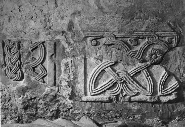 7 dalles funéraires