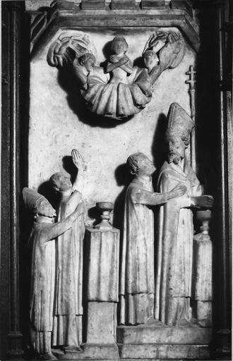 Bas-relief en albâtre : scène de la vie de saint Martial et saint Seurin