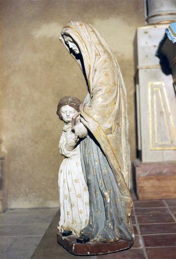 Groupe sculpté : L'Education de Vierge , vue de profil