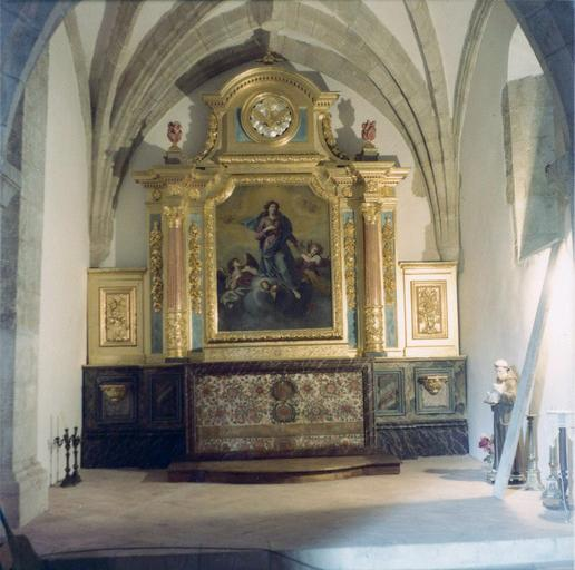 Retable et autel de la Vierge