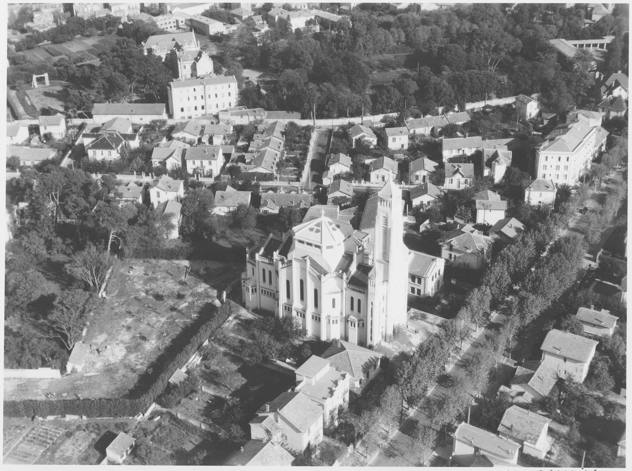 Église Sainte-Thérèse-de-Lisieux