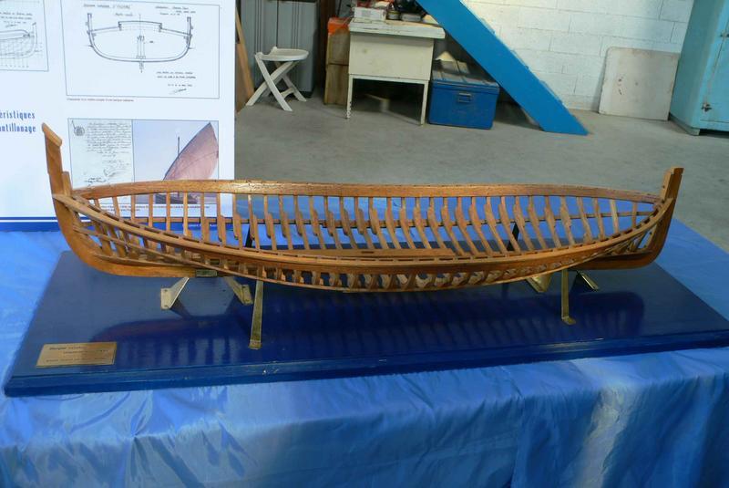 Barque catalane Saint-Pierre, maquette par A. Aversa, assemblage des membrures