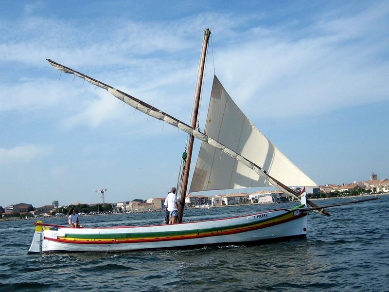 Barque catalane Saint-Pierre, naviguant au polacre sur l'étang de Thau en 2006
