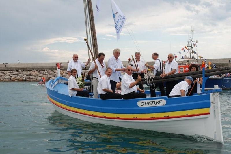 Barque catalane Saint-Pierre lors de la fête de la mer à Palavas-les-Flots (juillet 2009)