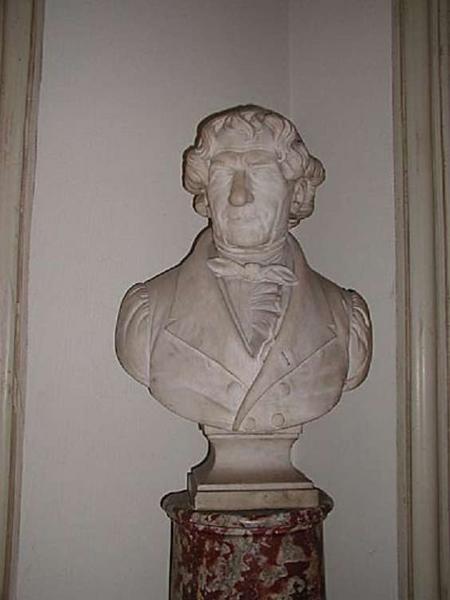 buste en marbre de Jacques Lordat. Vue de face.
