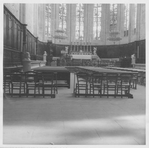 autel, tabernacle, 2 statues (maître-autel) : deux anges, vue générale