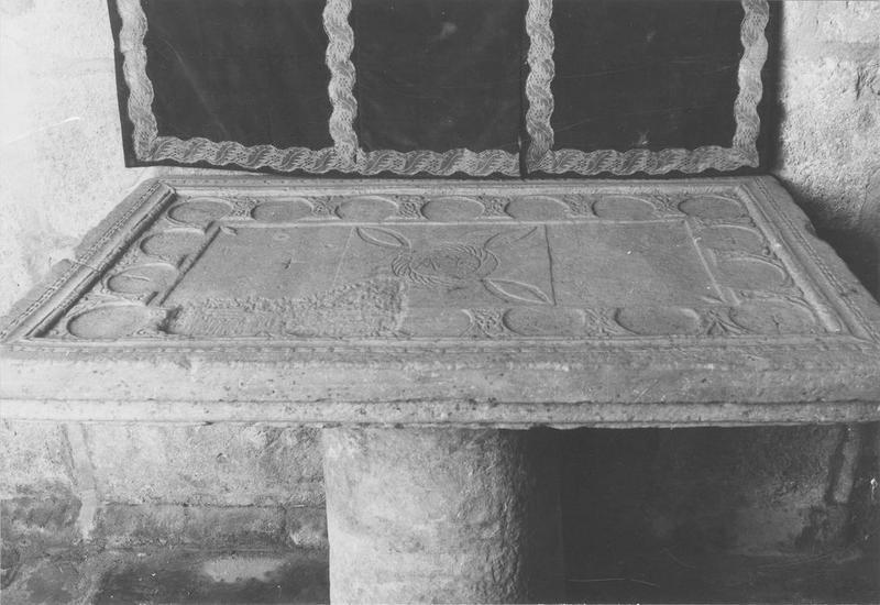 table d'autel, vue générale